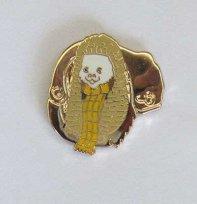 Rupert Police Charity Pin Badge - Judge & Handcuffs 2011 - Gold Limited Edition
