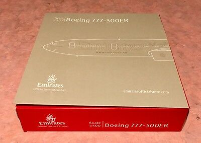 Emirates 1:400 Boeing 777-300ER Model