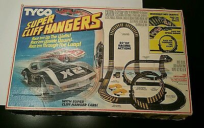 TYCO Super Cliff Hangers VINTAGE HO Slot Car Race Track w/CAR and Box