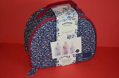 Fatface Ladies  Wash Bag  + Toiletries  ** Brand  New  & Sealed **