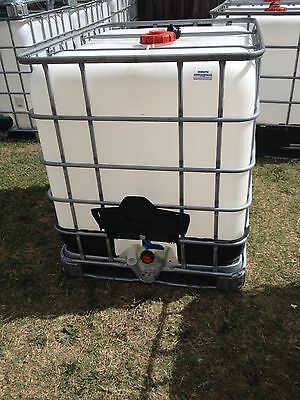 "1000 litre IBC water tanks And 2"" Buttress  BSP Adaptor With Two Way Garden Hose"