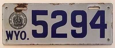 """1916 Wyoming License Plate Porcelain """"VG Plus"""" Glossy Nice!! All Original"""