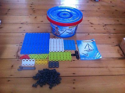 Meccano 100 Piece Construction Starter Tub, Great For Young Imaginations.