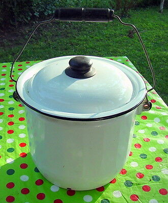 Vintage Enamelware Chamber Pot With Lid