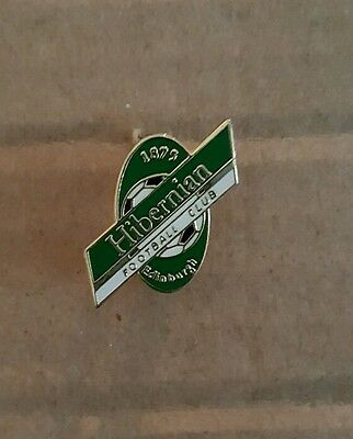 Hibernian Hibs Enamel badge old small beer bottle