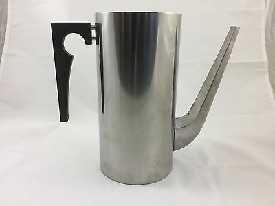 Cylinda-Line by Arne Jacobsen for STELTON - Coffee Pot