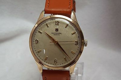 (52) Gents Vintage Gold Plated 17J Universal Geneve Wrist Watch
