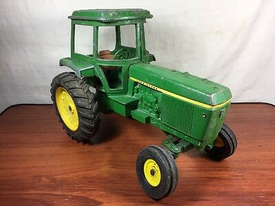 Vintage Farming Toy Collectible Ertl John Deere Farm Tractor With Cab