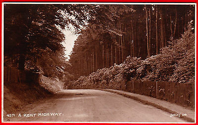 Postcard - A KENT HIGHWAY - Very Early JUDGES - Unposted - VERY GOOD Condition
