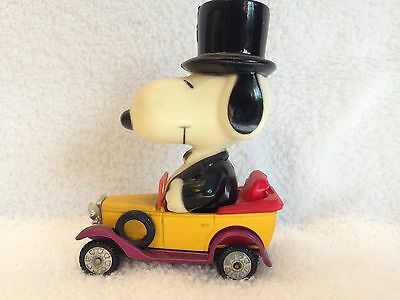 Rare Vintage Snoopy Peanuts Snoopy In Antique Car With A Suit And Top Hat 1958