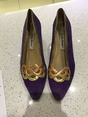 VINTAGE Purple Suede Shoes with Gold metallic detailing Size 6