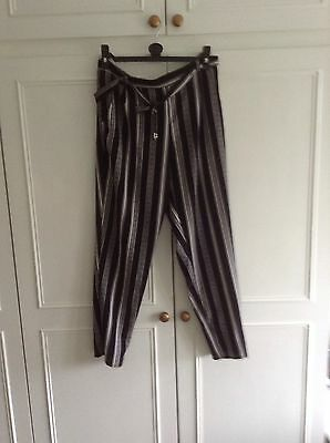 Ladies size 12 new look trousers