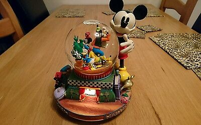 Disney Mickley mouse and friends large snowglobe