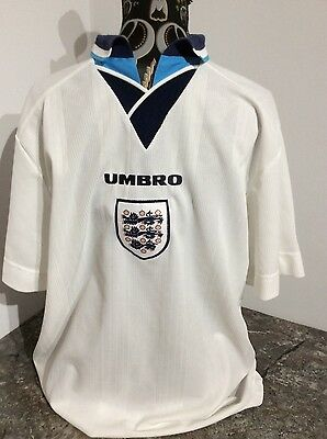 England football shirt in home colours, size Large