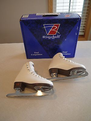 Riedell Girl's Figure Ice Skates - Model 15W - Size35 - Excellent
