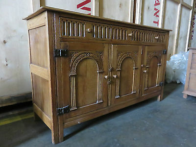 Stunning Vintage Carved Oak Farmhouse Classic Sideboard