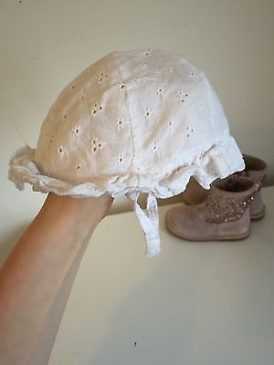 Baby Girls Summer Hat 1-2 Perfect For Babywearing Floral White
