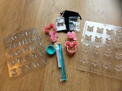 cake decorating moulds and cutters