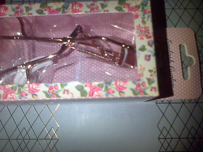 The Vintage Cosmetic Company New Boxed Eyelash Curler With 2 Extra Rubbers