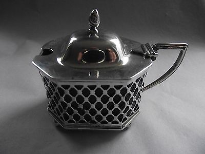 Hallmaked Silver Mustard Pot with Blue Glass Liner 1902 62 grms