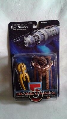 Ambassador Kosh Naranek with Vorlon Cruiser Babylon 5 Collector Series Figure