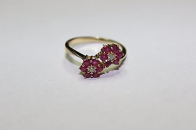 9ct gold ring ruby flowers size N