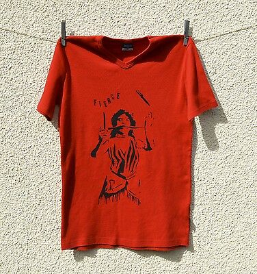 Vintage 1990s red T-shirt fierce circus knife thrower screen print small size 10