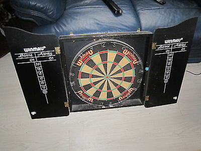 Winmau Complete Dart Board, Classic Cabinet Home and Away score panels