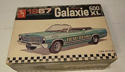 VINTAGE AMT 1967 FORD GALAXIE CONVERTIBLE  ANNUAL 1/25 Model Car Mountain #6117
