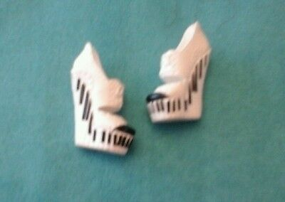 Monster High Dance Class Operetta Dolls Shoes Vg Used Cond Ooak Play