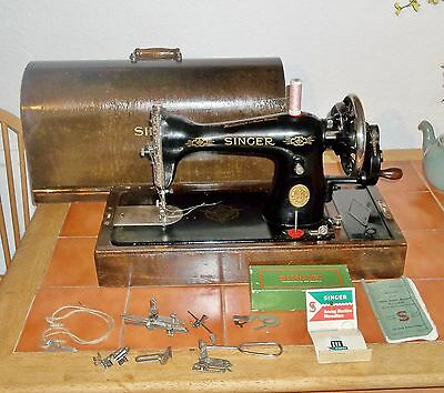 VINTAGE SINGER 15K HANDCRANK SEWING MACHINE WITH CASE c.1939 IN V.GOOD CONDITION