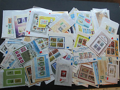 Box Containing 300+ Mini Sheets From Various Br.commonwealth Countries - Mnh/vfu