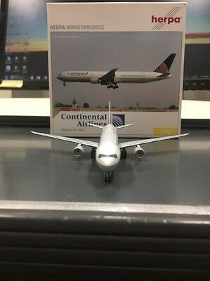 Herpa 1:400 scale diecast model Continenal Airlines Boeing 767-4 commercial Airl