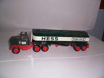 HESS TRUCK 1984 tanker bank  used for parts or fun