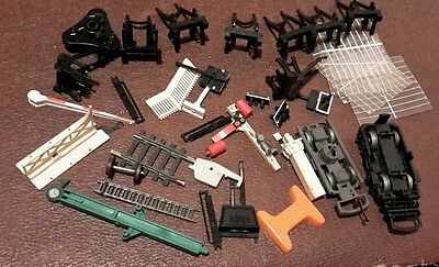 Small selection of hornby train accessories plastic parts