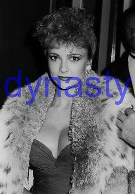 DYNASTY #13561,EMMA SAMMS,WRAPPED IN FUR COAT,candid photo,THE COLBYS