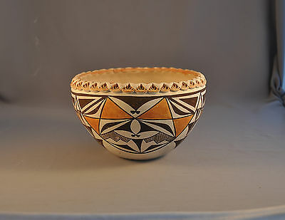 Juana Leno (1917-2000) - Beautiful Old Vintage Acoma Pot With Zig Zag Rim