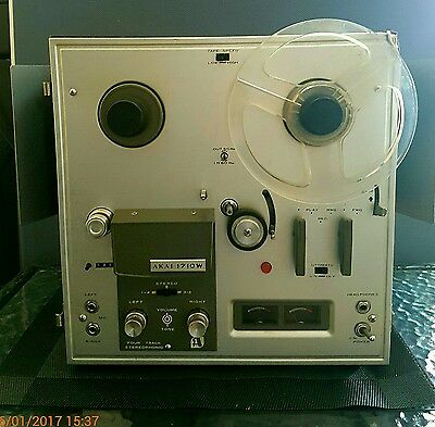 AKAI 1710W vintage reel to reel recorder with 11 tapes