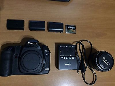 Canon EOS 5D Mark II + Canon 50mm F 1.4 + 2Batterie + Caricabatterie +Scheda32Gb