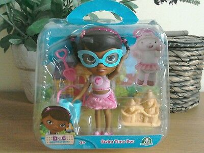 """Doc McStuffins Swim Time Doc  Set with Accessories NEW """"FREE POSTAGE"""""""