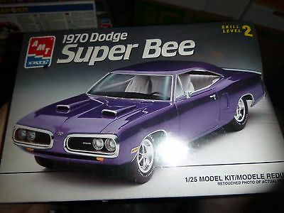 AMT 1970 DODGE SUPER BEE 1/25 Model Car Mountain FS