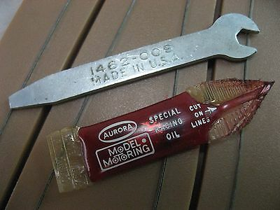 Aurora Wrench & Oil , Vintage Ho Slot Car Tool #1462-009 Made In Usa