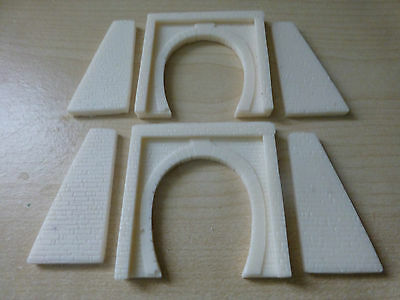 Z Gauge Pair of Single Tunnel Portals Including Buttress Walls (unpainted resin)