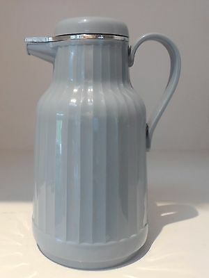 Vintage insulated pitcher w/ Lid Blue ribbed plastic with glass insert