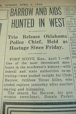 Newspaper 1934 Hammer Hunts For Bonnie Parker And Clyde Barrow Gangsters Crime