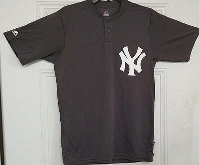 New Majestic Adult NY Yankees MLB Cool Base 2 Button SS Replica Shirt Grey S-L