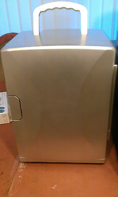 20 Litre Silver Mini Fridge Cooler / Heater Rrp £74.99