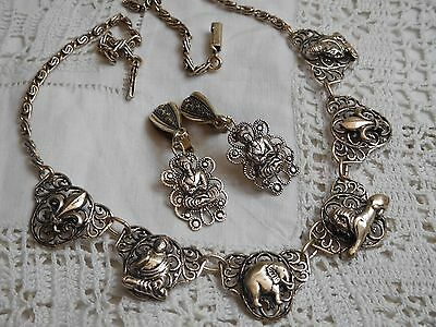 Lovely Vintage 1950s Decorative Necklace & Clip On Earrings