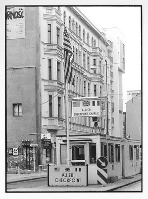 Foto: Berliner Mauer -  CHECKPOINT CHARLIE   17,8 x 24 cm