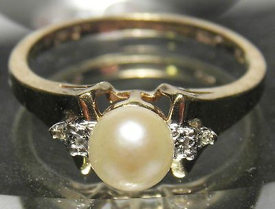 Vintage 10K Solid Yellow Gold Pearl And Diamonds Dinner Ring Size 6.25 See Video